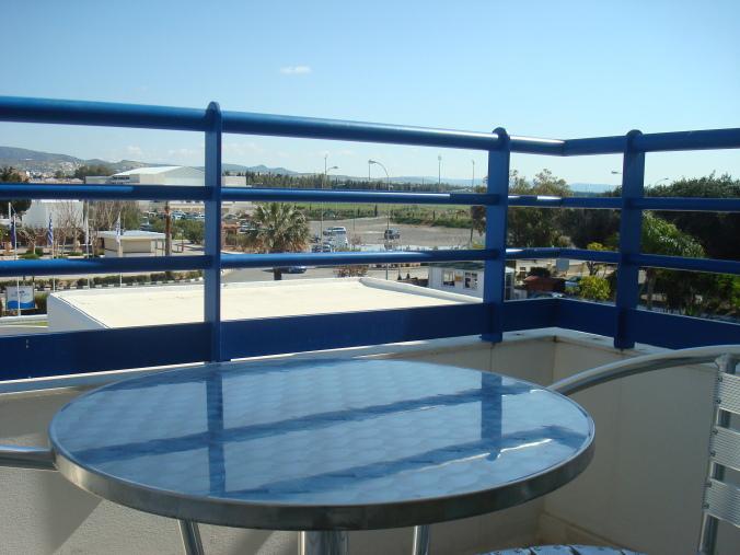 201104_Paphos_Ledra_Beach_Coral__13_-1