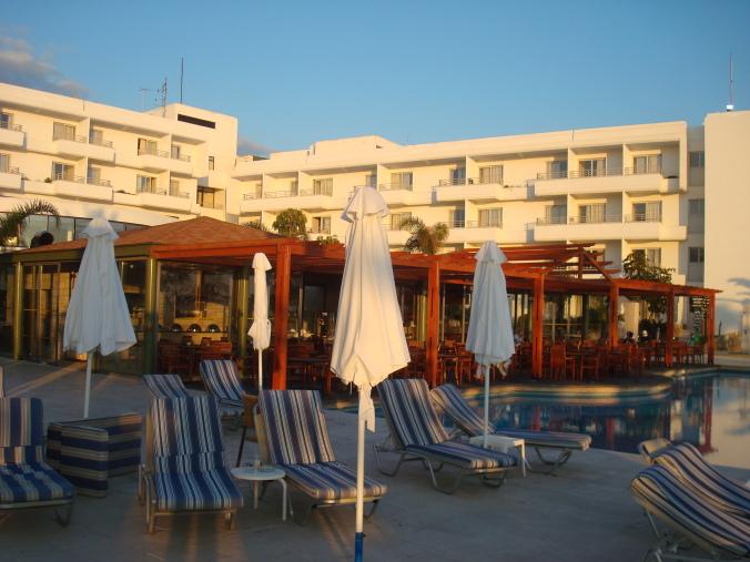 201104_Paphos_Ledra_Beach_Coral__23_-1