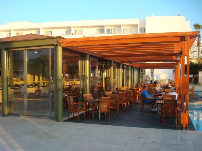 201104_Paphos_Ledra_Beach_Coral__26_-1