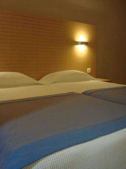 201104_Paphos_Ledra_Beach_Coral__2_-1