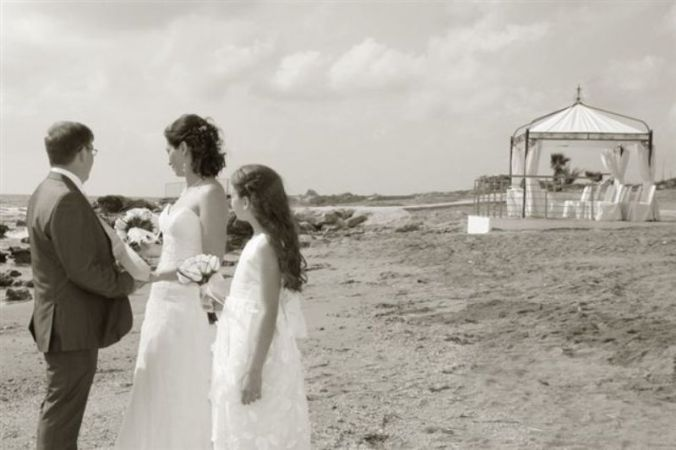 Beach Wedding Gazebo Added by Elena Efstathiou on 20 02 2011